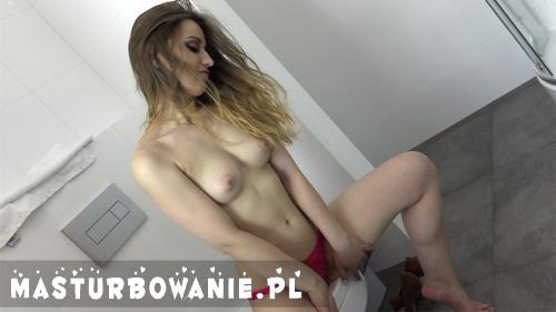 Sara na masturbowanie.pl